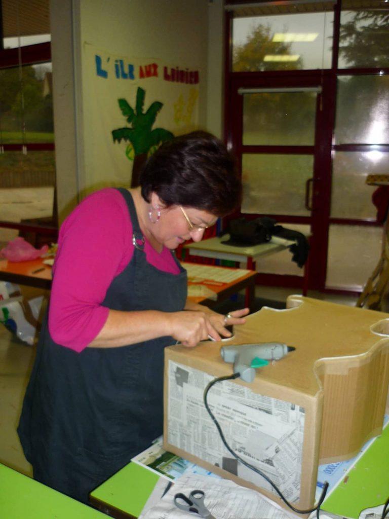 atelier meubles en papier